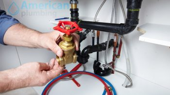 2 Signs It's Time to Call A Professional Plumber